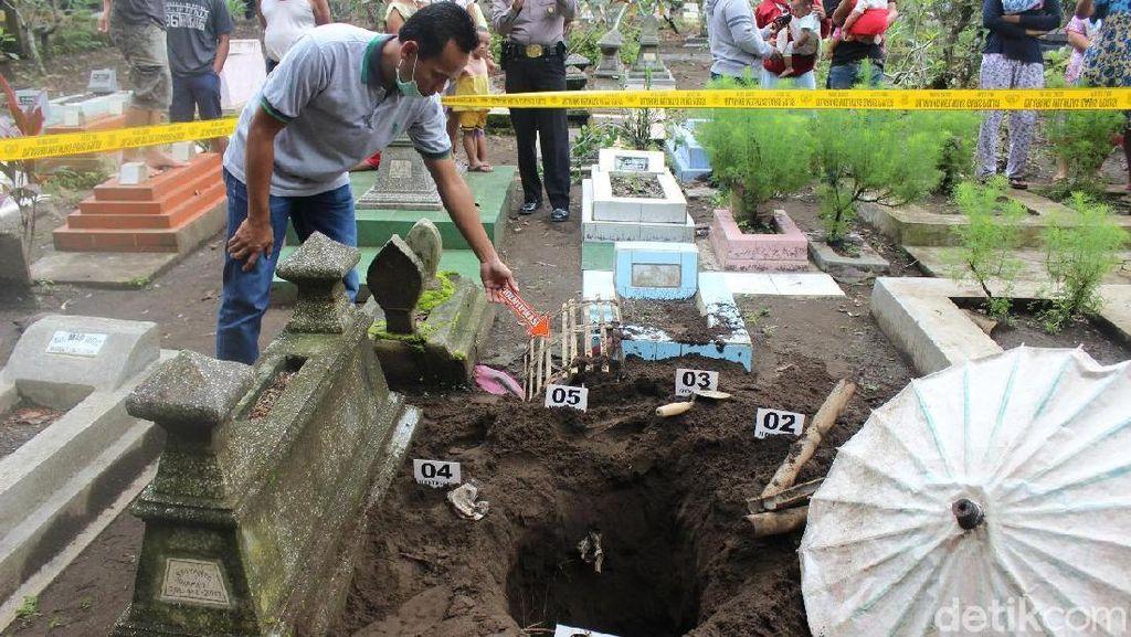 Pencurian Kain Kafan Terjadi di Pemakaman Cilacap