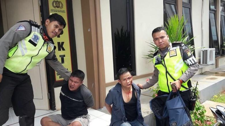 Polantas Tangkap Perampok Nasabah Bank Modus Kempes Ban di Tangsel