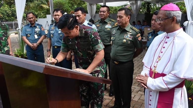Panglima TNI Resmikan Gereja Katolik di Mabes TNI Cilangkap
