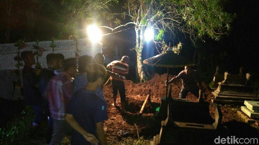 Jenazah Sri, Korban Pembunuhan di Kulon Progo Dimakamkan Malam Ini
