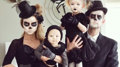 Aneka Pose Foto Keluarga yang Anti-mainstream Ini Bisa Dicontek