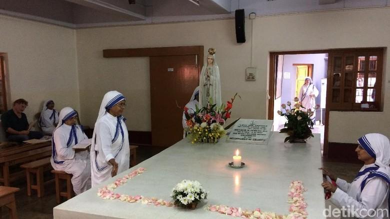 Makam Bunda Teresa di Motherhouse Kolkata, India (Masaul/detikTravel)