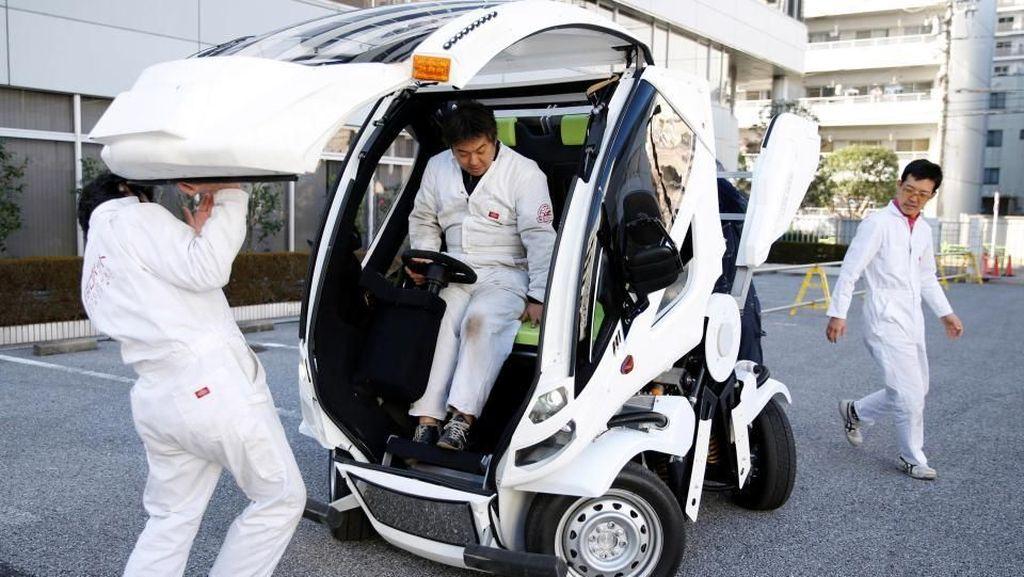 Mobil Transformers Buatan Jepang
