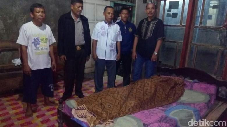 Seorang Remaja Tewas Tersengat Listrik Tiang Penerang Jalan di Jepara
