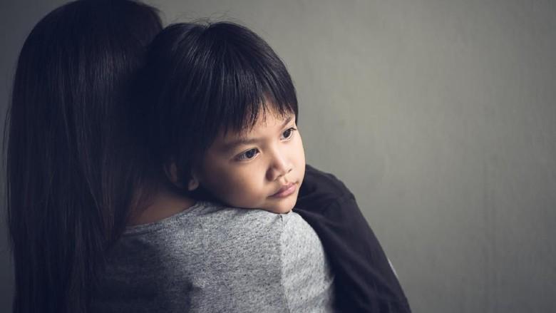 Kenapa Anak Benci pada Salah Satu Orang Tuanya Ketika Cerai? Foto: Thinkstock