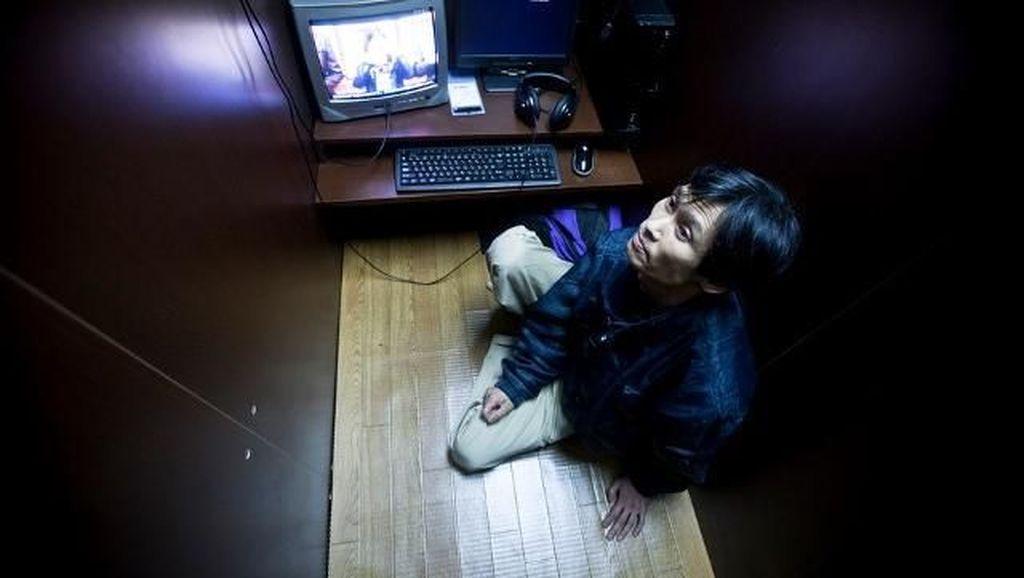 Melongok Warnet Tempat Tinggal Orang Jepang Melarat