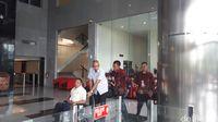 dr Bimanesh tiba di gedung KPK untuk diperiksa