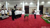 Pelantikan 5 pejabat Pemprov Banten.