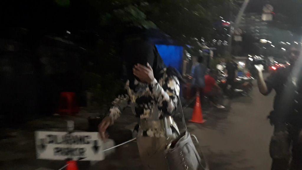 Usai Diperiksa, Anggota DPRD Jambi Ini Lari ke Hotel Samping KPK
