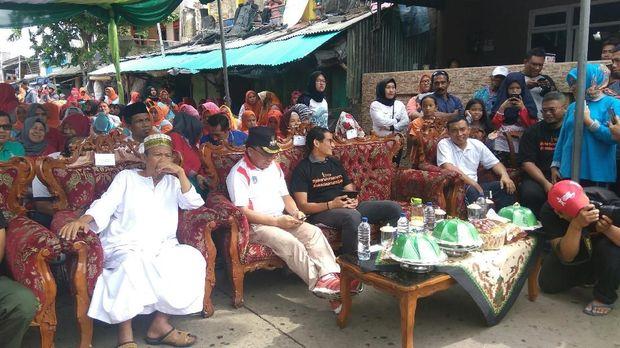 , Sandiaga meminta warga selalu melakukan tahan, simpan dan pungut (TSP).