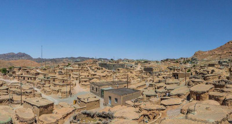 Desa Makhunik di Iran merupakan salah satu peninggalan bersejarah yang diketahui berumur 1.500 tahun. Desa ini pun disebut juga sebagai desa liliput (Mohammad M. Rashed/BBC)