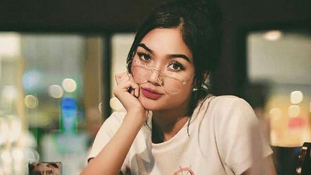 Mulai Terbuka Usai Video Hot, Marion Jola Beri Alasan Tutup Komentar Instagram