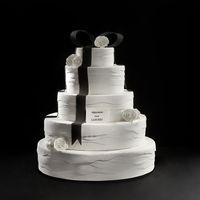 Keren! Kolaborasi Vera Wang dan Laudree Hasilkan Kue Pengantin Super Cantik