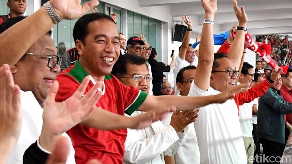 Ekspresi Bahagia Jokowi Saat Ilham Udin Cetak Gol