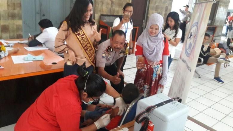 100 Anak Jalanan Kota Tua Jakarta Divaksin Difteri