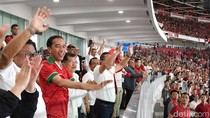 Tangan ke Atas, Begini Gaya Jokowi Rayakan Gol Indonesia vs Islandia
