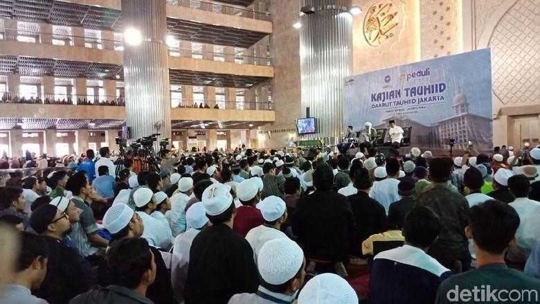 Anies Jadi Saksi Zidane Alfadino Masuk Islam di Masjid Isqtilal
