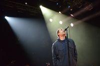 Liam Gallagher saat konser di Jakarta.