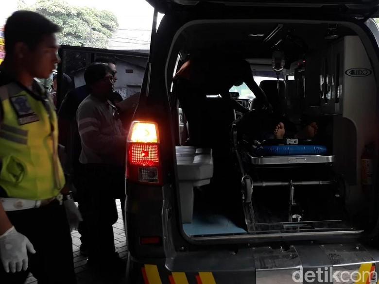 5 Santriwati Korban Pikap Terguling Dirujuk ke RSSA dan Bangil