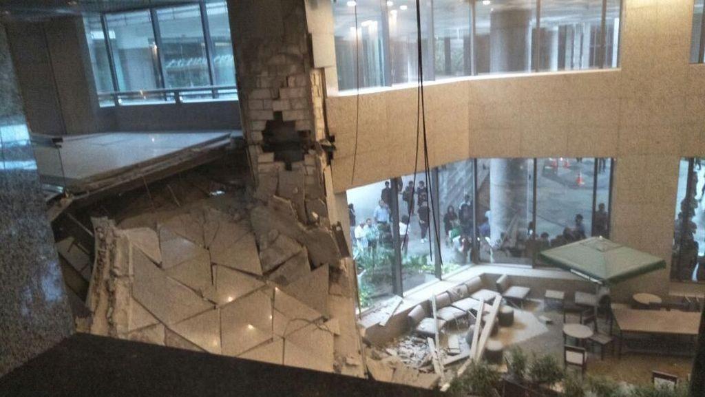 Waspadai Insiden Selasar BEI Ambruk, Ini Untungnya Punya Asuransi