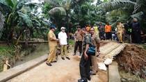 Bupati Anas Pastikan Jembatan Ambrol Karena Banjir Akan Dibangun
