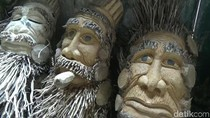 Kreasi Unik Ubah Bonggol Bambu Jadi Karakter Mirip Hobbit