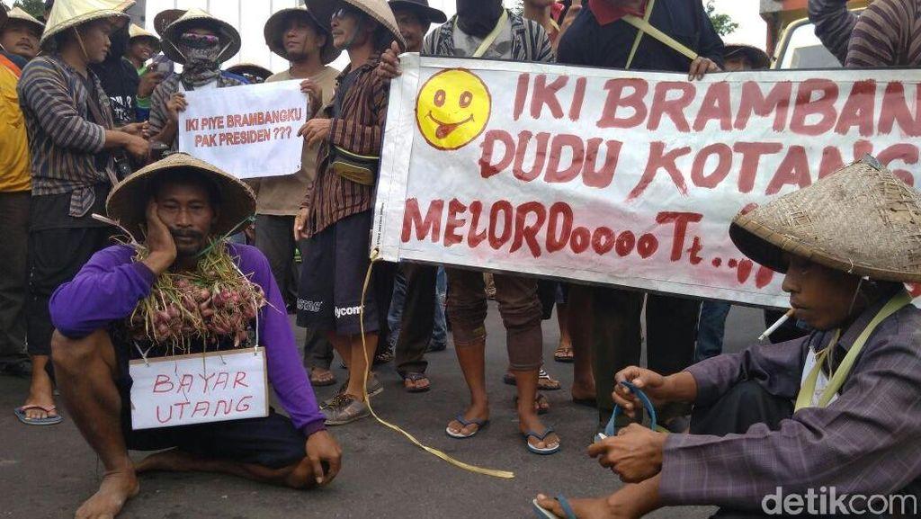 Harga Anjlok, Petani Bawang di Pati Demo di Kantor Bupati