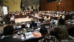 Rapat Verifikasi Parpol, Komisi II-KPU Alot Bahas Partai Bersengketa