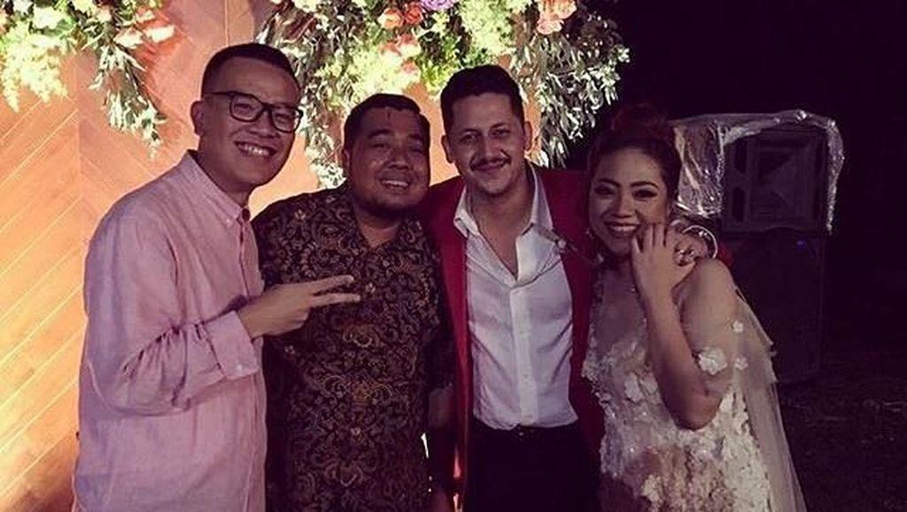 Intip Foto Pesta Pernikahan Keenan Pearce dan Gianni Fajri Yuk