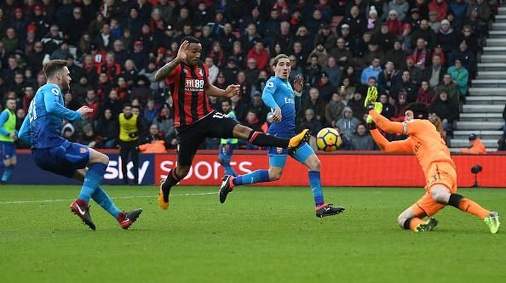Cech Kalah Cepat Sepersekian Detik, Arsenal pun Kebobolan