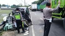 Kecelakaan Maut di Pantura Pasuruan, Pengemudi MPV Tewas Terjepit