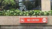 Selasar BEI Ambruk, Kaca Bank Dipecahkan untuk Evakuasi