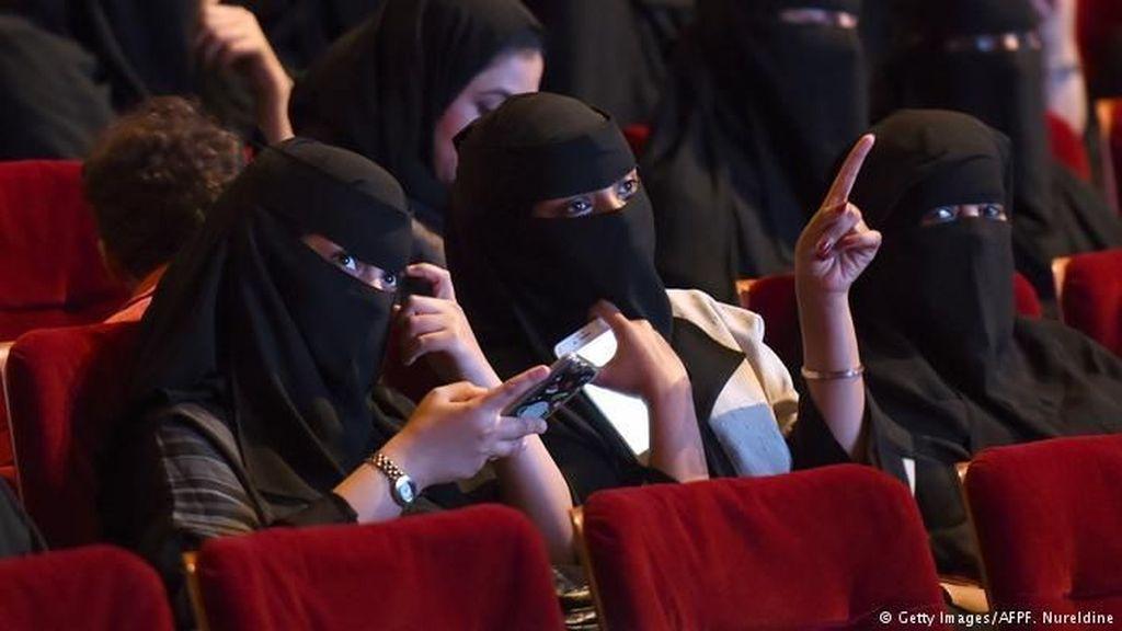 Setelah 35 Tahun, Hari Ini Bioskop di Arab Resmi Dibuka Lagi