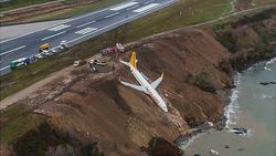 Pesawat Keluar Landasan Pacu di Turki, Nyaris Menghujam Laut