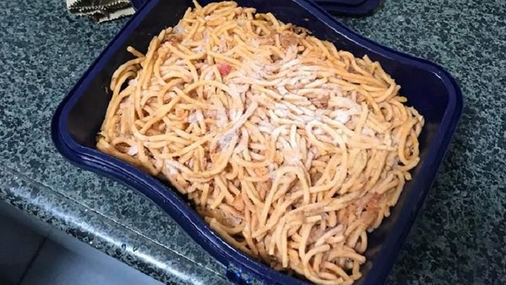 Viral! Beli Es Krim Tapi Kotaknya Berisi Spaghetti dan Waktu Terbaik Minum Kopi