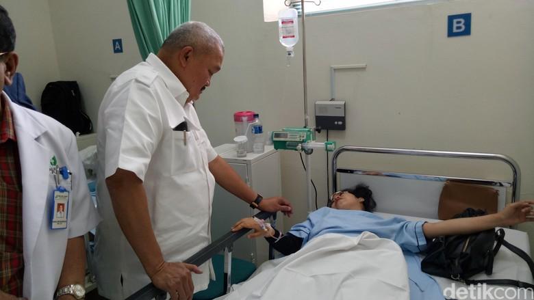 Gubernur Sumsel Jenguk Korban Selasar BEI Ambruk di RS Jakarta