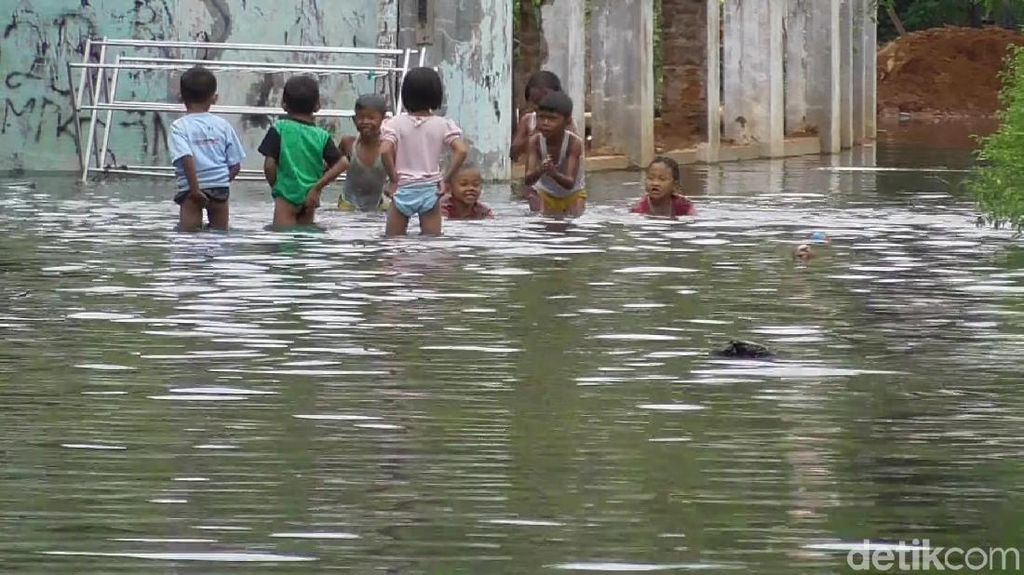 2 Hari Diguyur Hujan, Permukiman Warga di Kota Pekalongan Kebanjiran