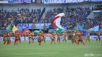 Di Pembukaan Piala Presiden 2018: Tari-tarian dan Bagi-bagi Bola