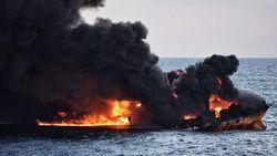 China Berpacu dengan Waktu Bersihkan Tumpahan Minyak Kapal Tanker