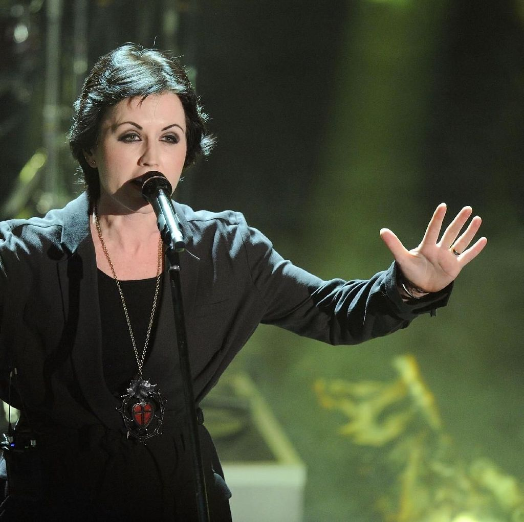 Mengenang Awal Karier Dolores ORiordan di The Cranberries