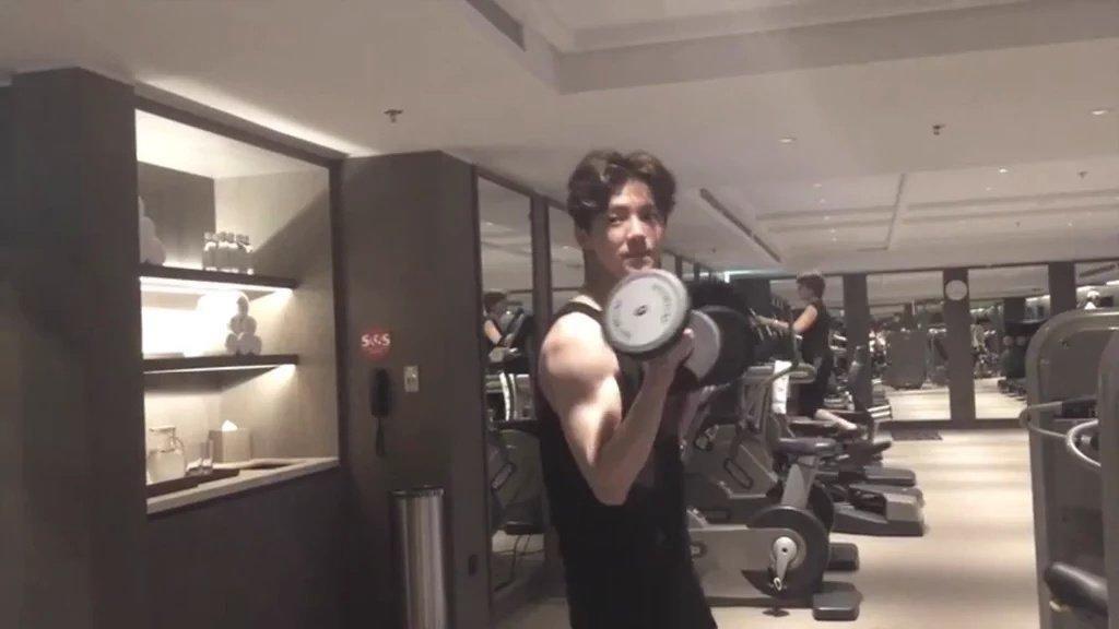 Foto: Ternyata Begini Olahraganya Si Pria Cantik, Luhan