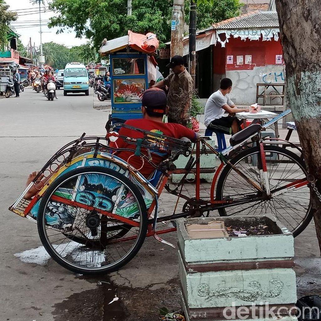 Video: Becak Jakarta... Eksis Selalu di Hati Kaum Ibu