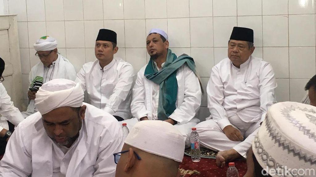 SBY, AHY dan Ibas Melayat Habib Abdurrahman Kwitang