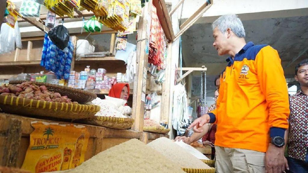 Beras Impor Masuk Jelang Panen Raya, Ganjar Telepon Mentan