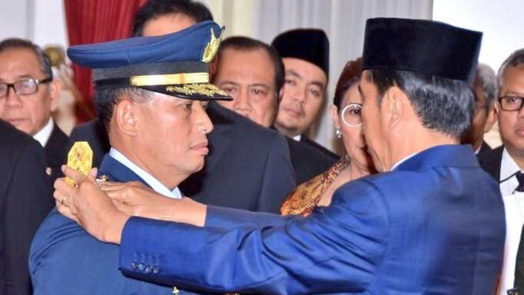 Momen Presiden Jokowi Lantik Marsekal Yuyu Jadi KSAU