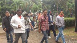 Polisi Sterilkan Gedung Eks TPI yang Diduduki Sekelompok Massa