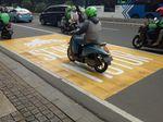 Kini Ada Marka Jalan Khusus Pemotor dari Medan Merdeka ke Thamrin