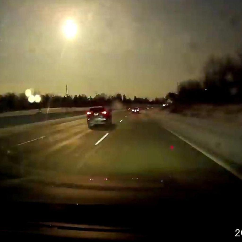 Diguncang Meteor, Langit Michigan Terang Benderang di Malam Hari
