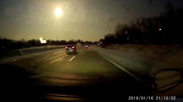 Foto: Langit Terang Benderang di Michigan Saat Meteor Jatuh