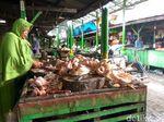 Harga Ayam Tetap Mahal, Pedagang di Pasar Sepanjang Hanya Pasrah